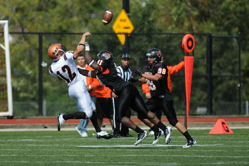 Buffalo State defeats Western Connecticut State 82-17